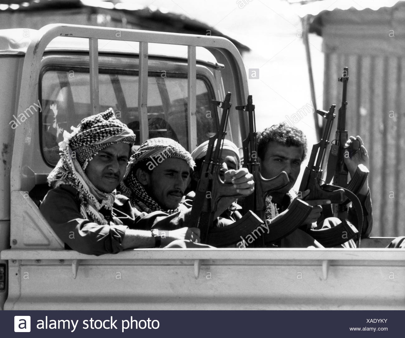 military, Yemen, sldiers on a truck, 1998, weapons, assault rifle, AK47, AK 47, AK-47, Kalashnikov, Arabs, Arabia, 20th century, historic, historical, people, 1990s, Additional-Rights-Clearances-NA - Stock Image