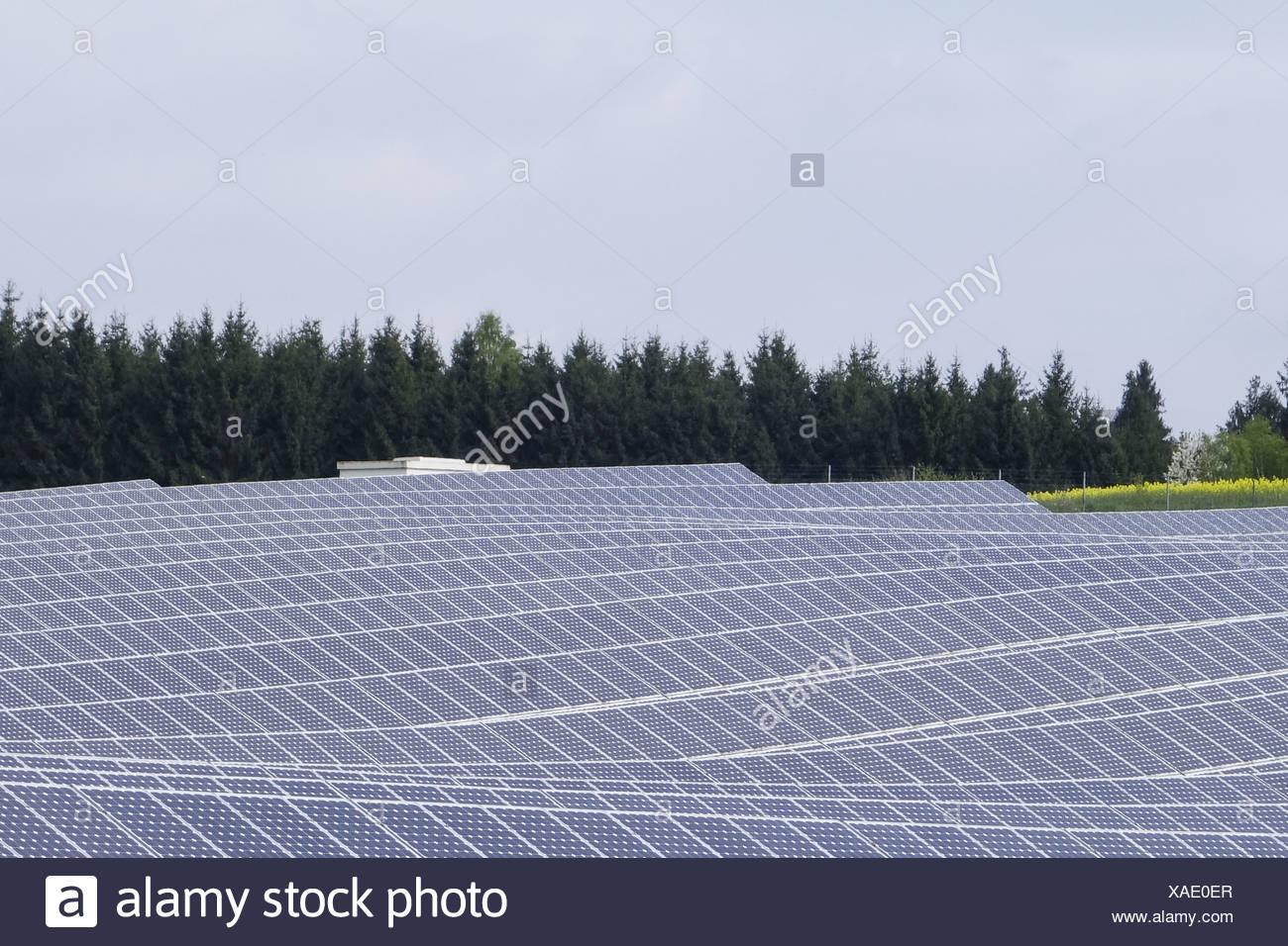 Solarfeld in Niederbayern, Bayern, Deutschland, Europa - Stock Image