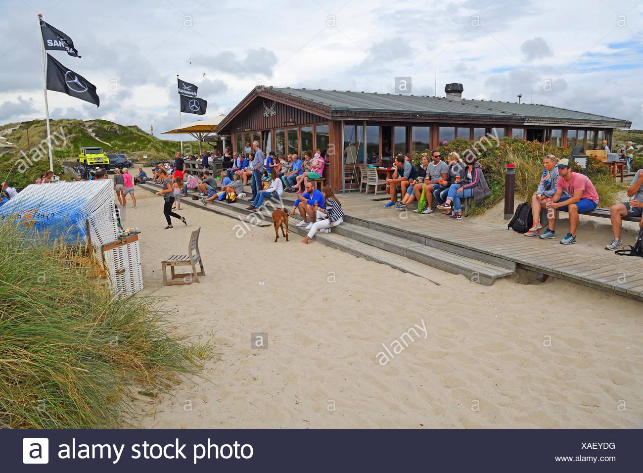 Kultrestaurant Sansibar in den Duenen von Rantum, Sylt, nordfriesische Inseln, Nordfriesland, Schleswig-Holstein, Deutschland - Stock Image