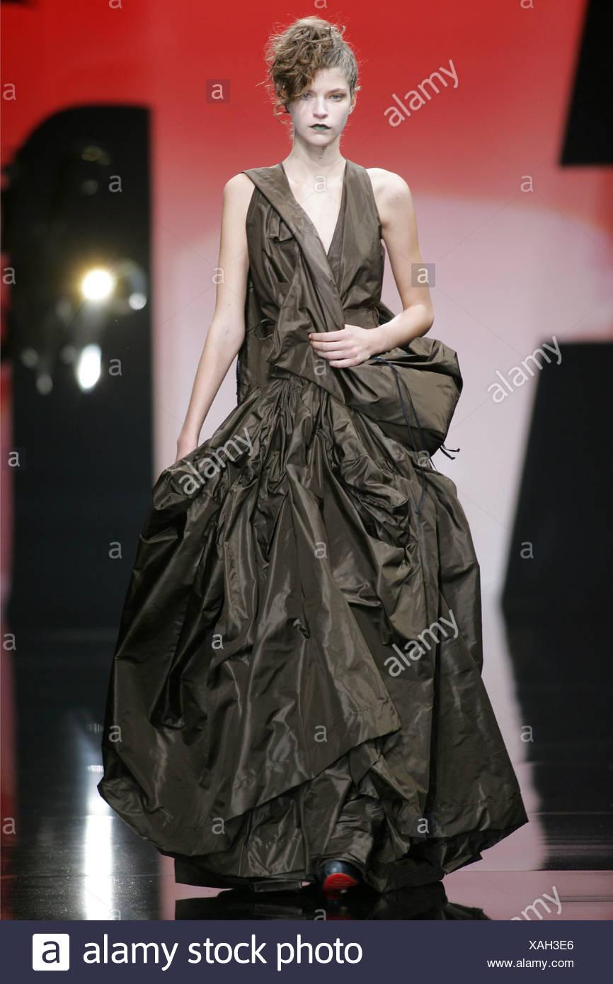 Myths fashion debunked, Ziyi zhang chanel fall dress