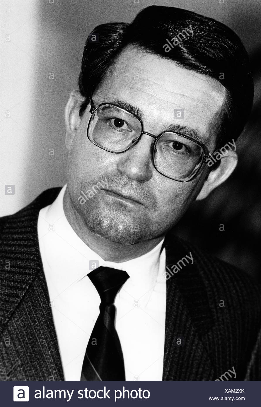 Spranger, Carl-Dieter, * 28.3.1939, German politician (CDU), Parliamentary State Secretary at the German Federal Ministry of the Interior, portrait, 1980s, Additional-Rights-Clearances-NA - Stock Image