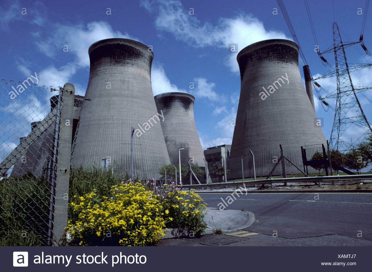 Weatherby Power Station, Yorkshire, showing large towers, environmental - Stock Image