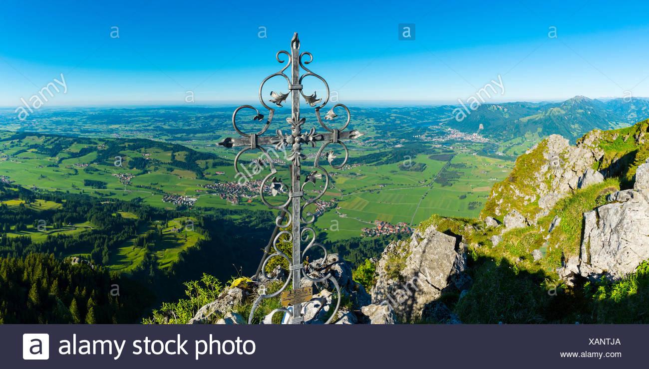 Gipfelkreuz auf dem Gruenten, 1738m, Illertal, Allgaeuer Alpen, Oberallgaeu, Allgaeu, Bayern, Deutschland, Europa Stock Photo