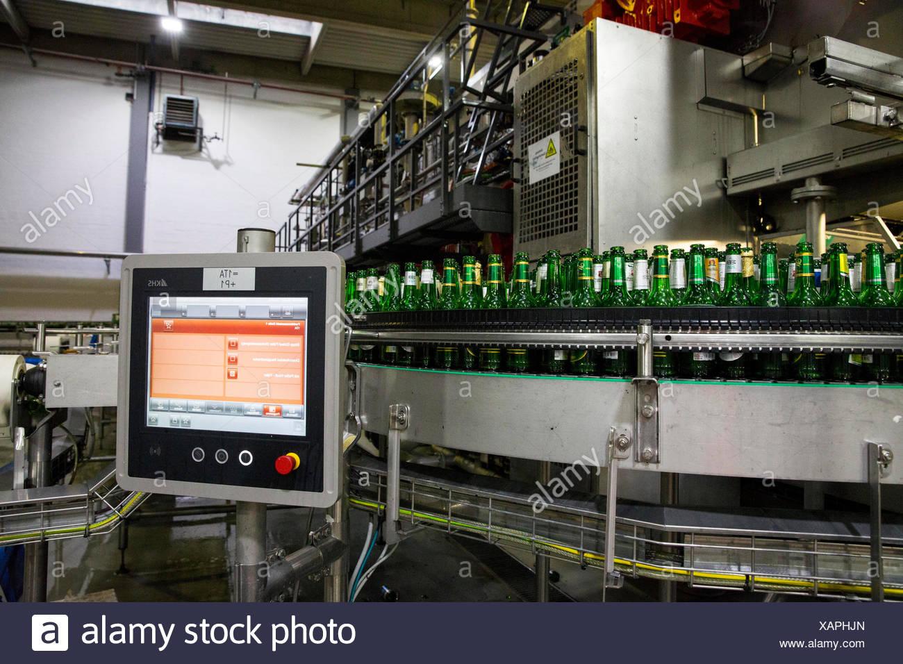 Carlsberg Deutschland GmbH report: Filling Lübzer lemon - Stock Image