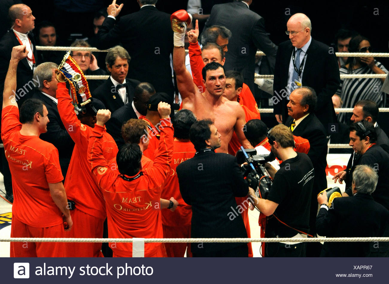 Boxing, Wladimir Klitschko, UKR, defeated Eddie Chambers, USA, by KO, heavyweight championship fight in the Esprit Arena - Stock Image