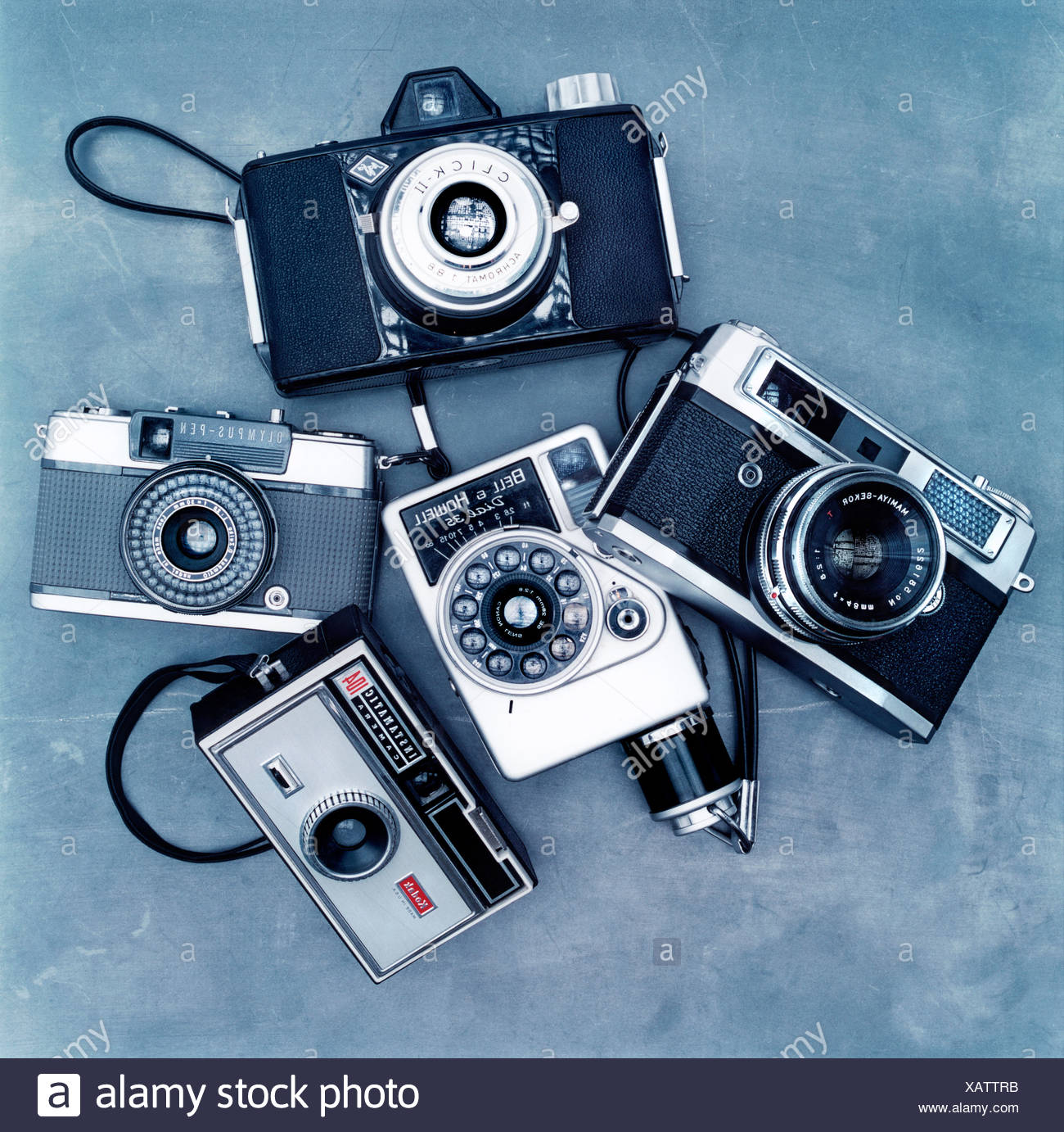Collection of old fashioned cameras - Stock Image