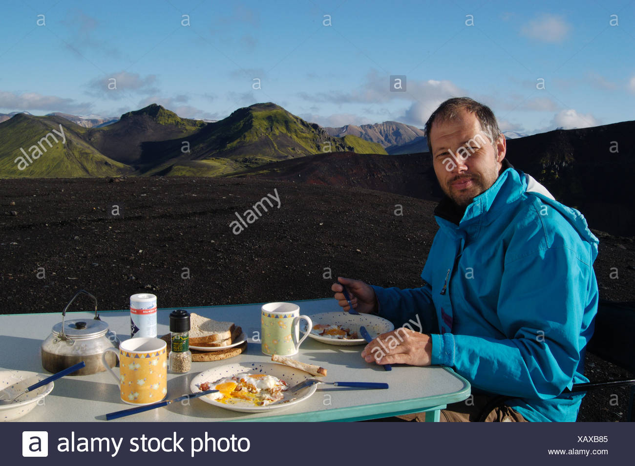 Fantastic Outdoor Breakfast At The Caldera Of The Ljotipollur Volcano Beutiful Home Inspiration Aditmahrainfo
