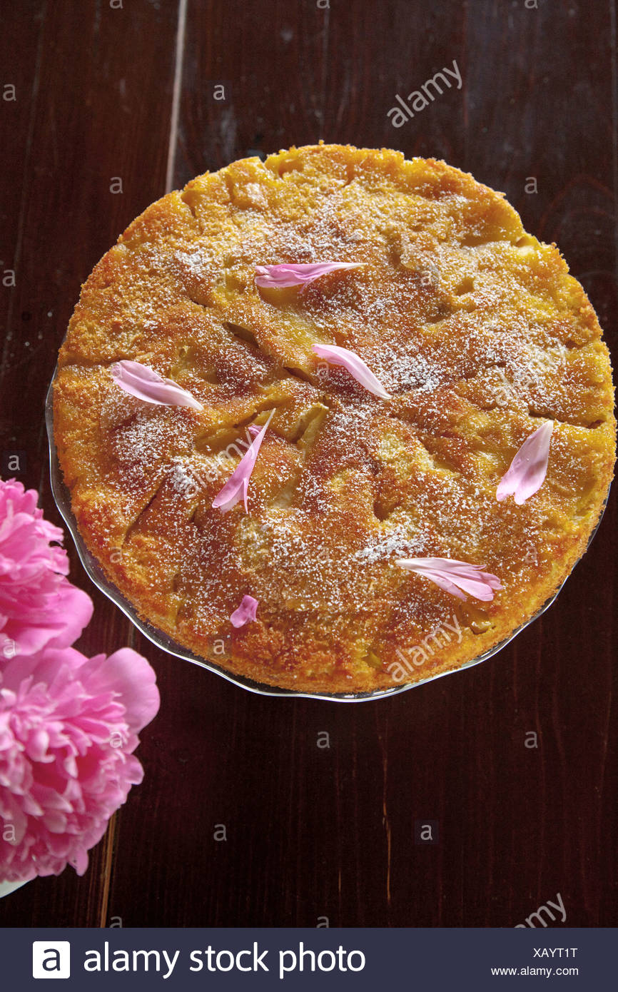 Apple tart with caramel - Stock Image