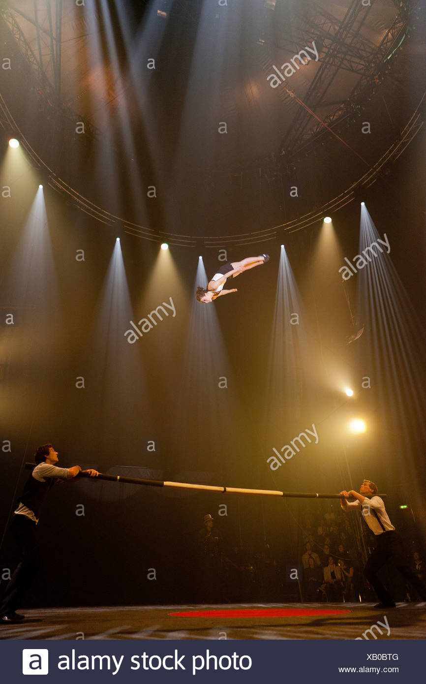 Frenchwoman Alexandra Royer and the two Americans Tristan Nielsen and Eric Bates, Barrcode, performance with the Russian bars - Stock Image