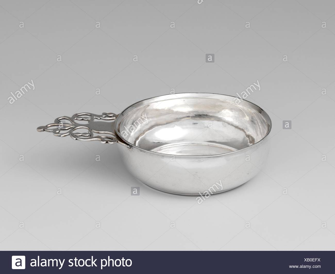 Porringer. Maker: Thomas Emery (1781-1815); Date: ca. 1805; Geography: Made in Boston, Massachusetts, United States; Culture: American; Medium: - Stock Image