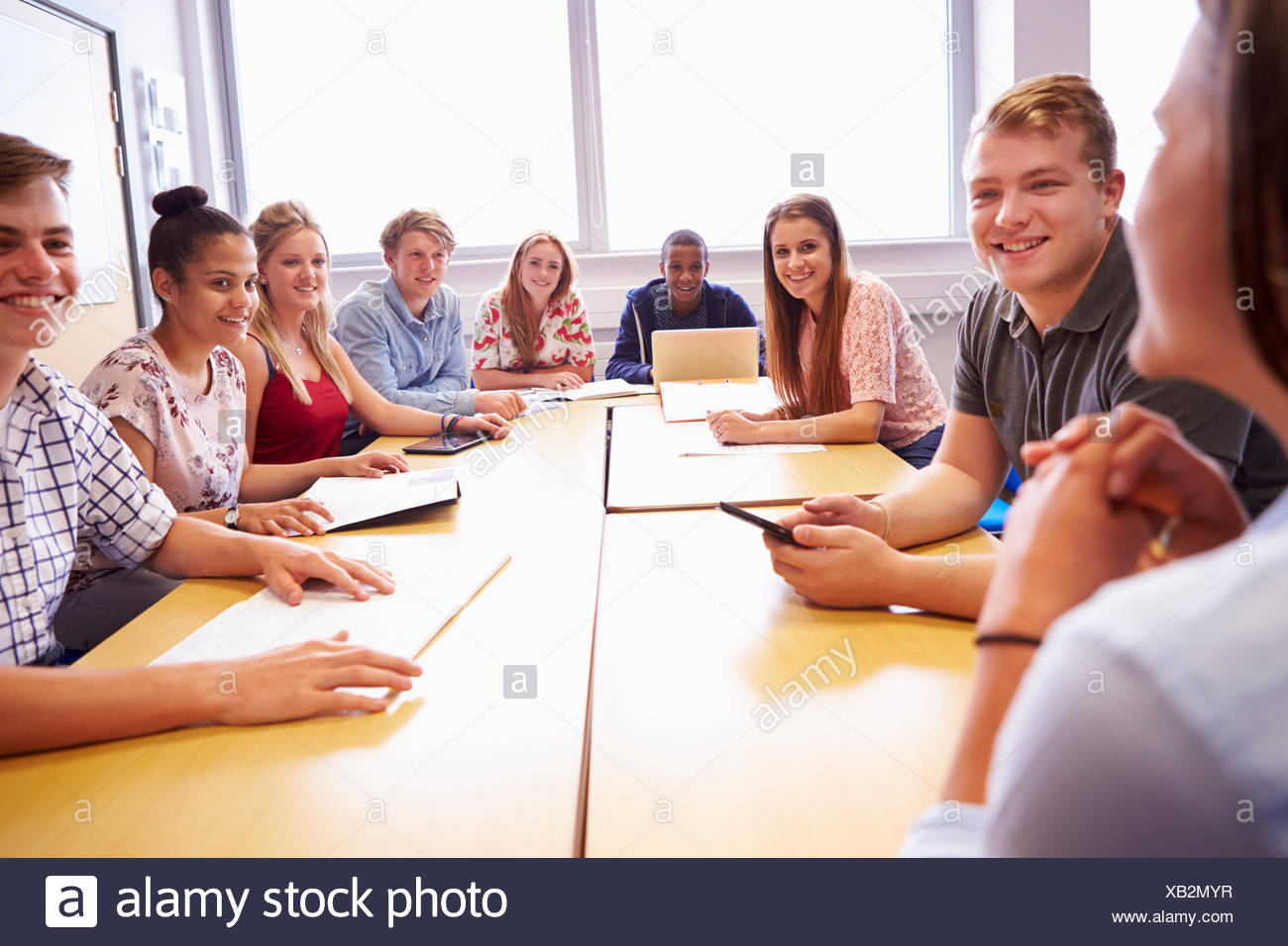 Group Discussion Table Student Stock Photos & Group ...