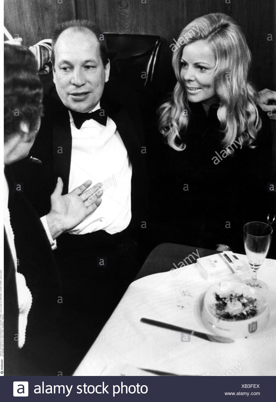 Roland, Juergen, 25.12.1925 - 21.9.2007, German director, half length, with his wife, Hofbraeuhaus, Munich, 1972, 1970s, - Stock Image