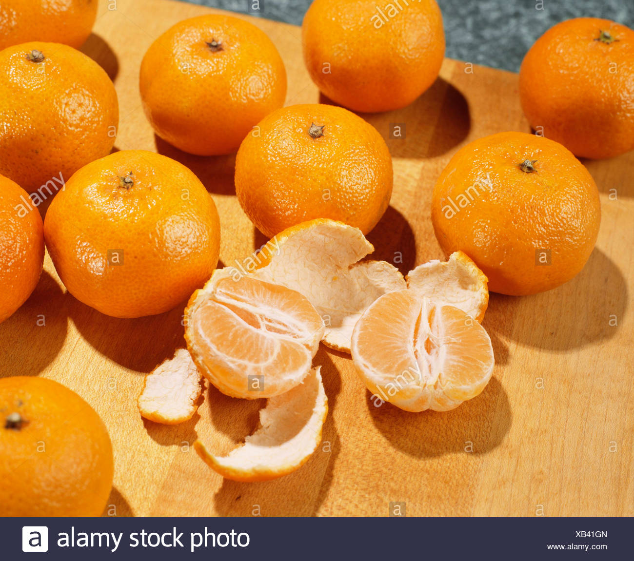 CLEMENTINES PRODUCT OF MOROCCO A TANGERINE LIKE FRUIT OFTEN SEEDLESS