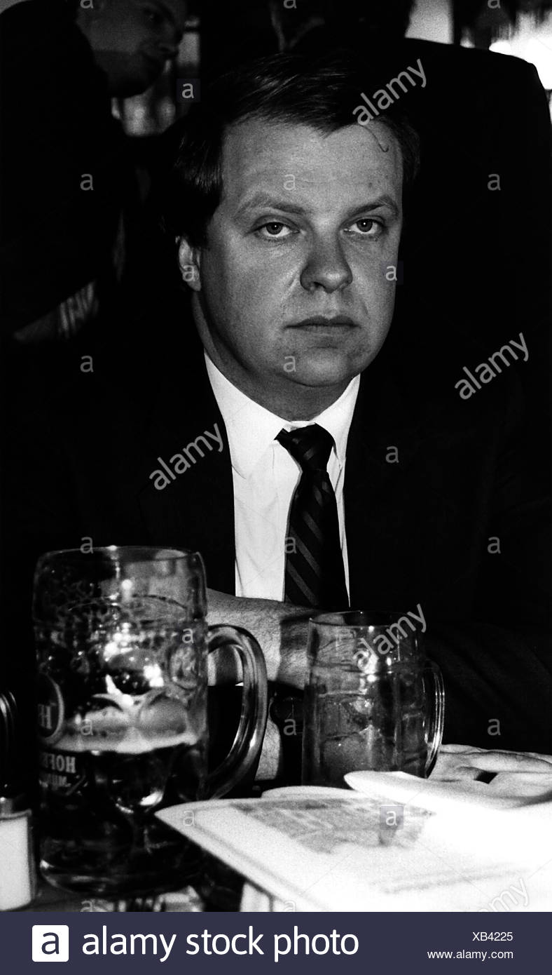 Ruehe, Volker, * 25.9.1942, German politician (CDU), portrait, as Federal Minister of Defence, 1990s, Additional-Rights-Clearances-NA - Stock Image