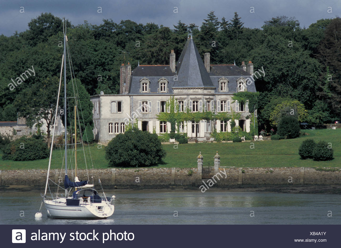 Chateau, Odet, river, Sail Boat, Brittany, France, Europe, river - Stock Image