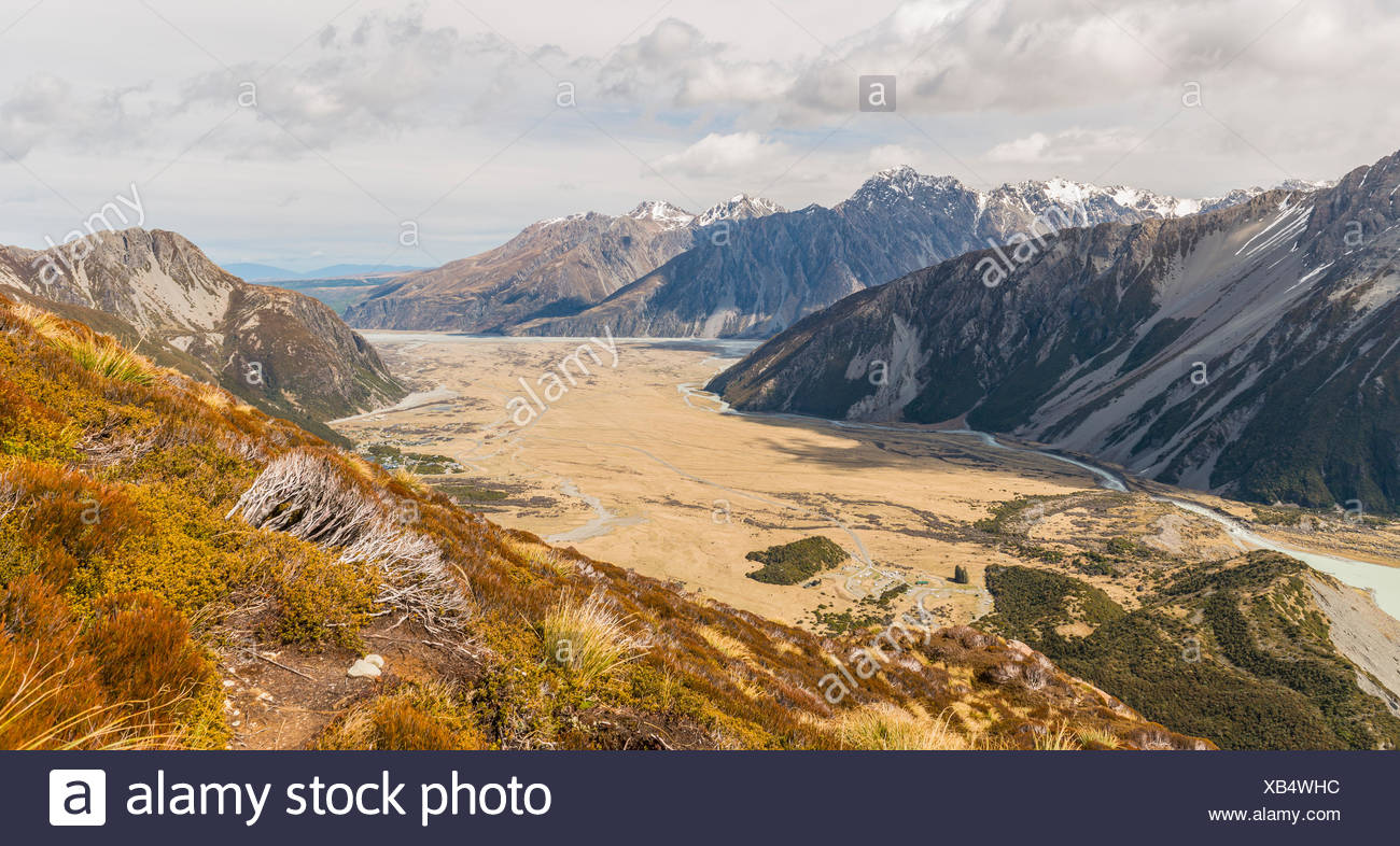 View in the riverbed of the Hooker River, Mount Cook National Park, Canterbury Region, Southland, New Zealand - Stock Image