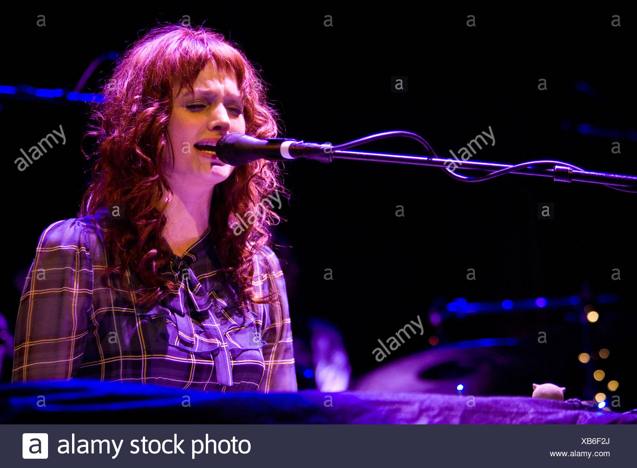 US-American singer and pianist A Fine Frenzy performing live at Kaufleuten club in Zurich, Switzerland - Stock Image