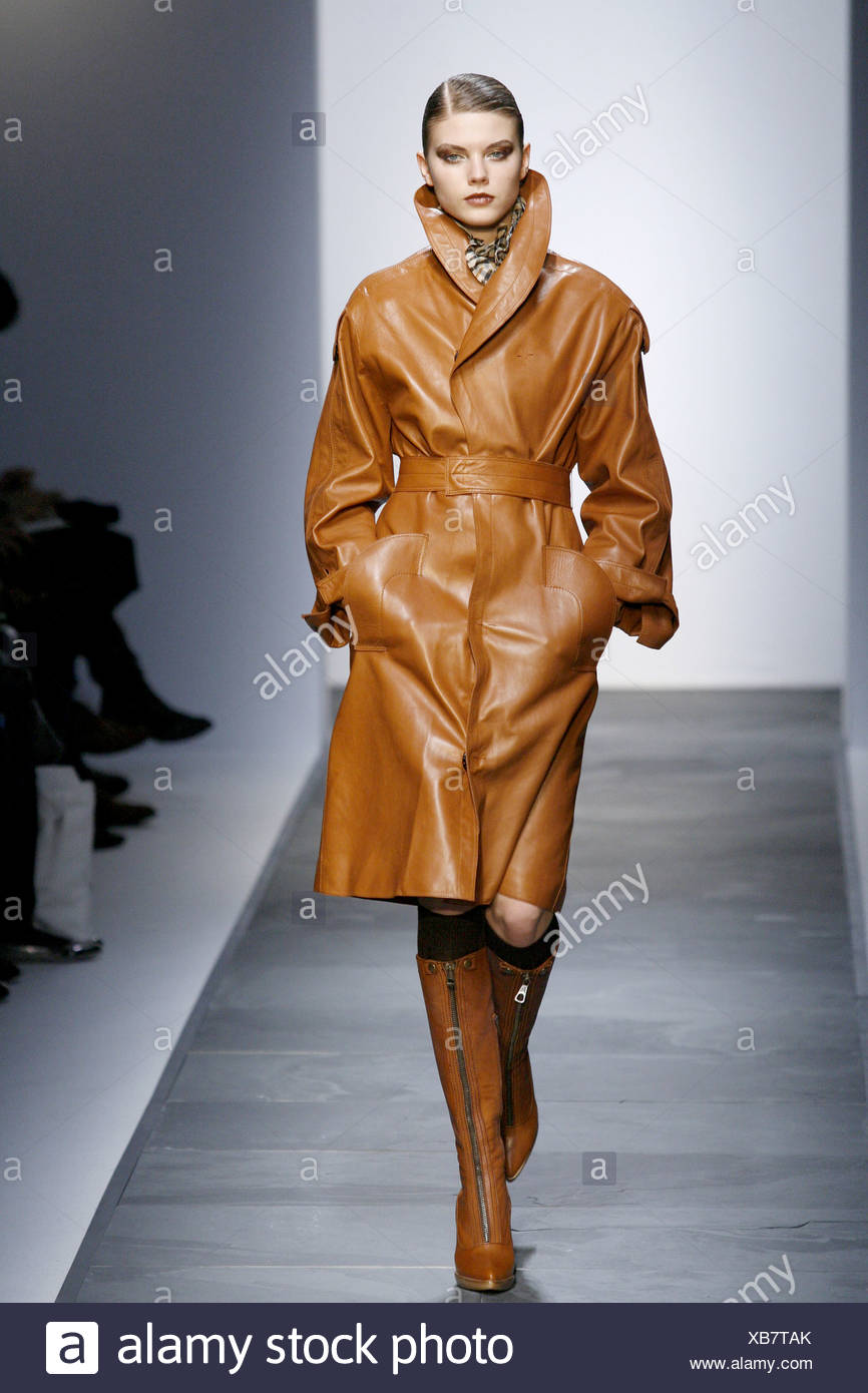 71cfd4b8a7 Daks Ready to Wear Autumn Winter Brown leather trench coat