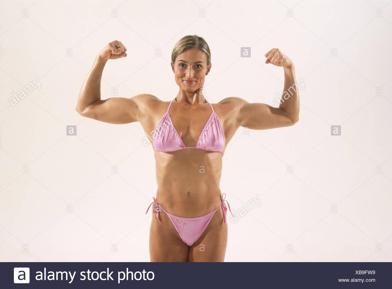 Mature natural femine bicep flexing
