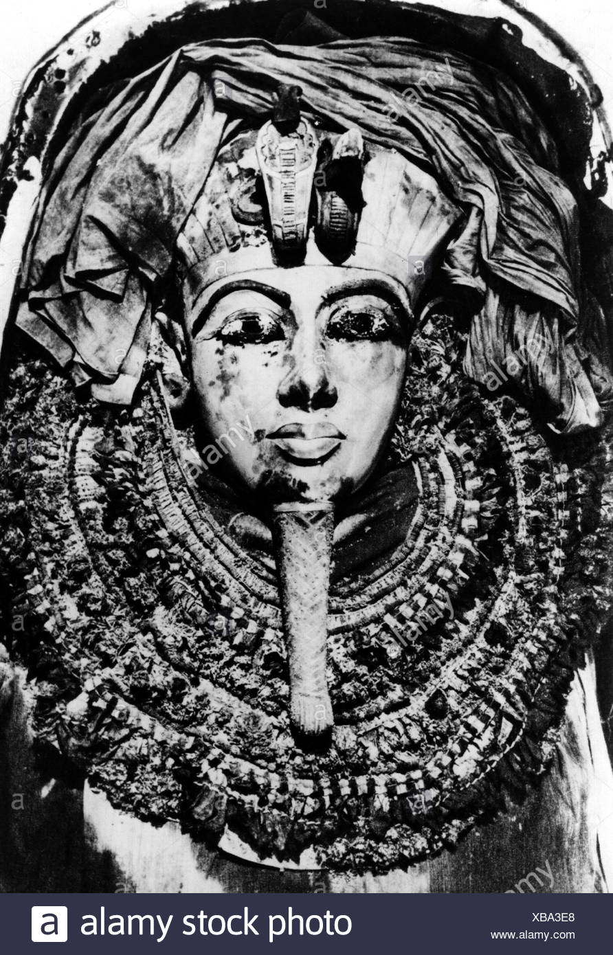 Tutankhamun, King of Egypt, 1333 - 1323 BC, 18th Dynasty, grave in the Valley of the Kings, mummy with death mask in the sarcophagus (detail), Additional-Rights-Clearances-NA - Stock Image