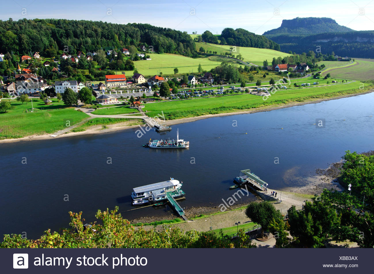 Ferry link between districts Niederrathen and Oberrathen on the Elbe river, Climatic Spa Resort Rathen - Stock Image