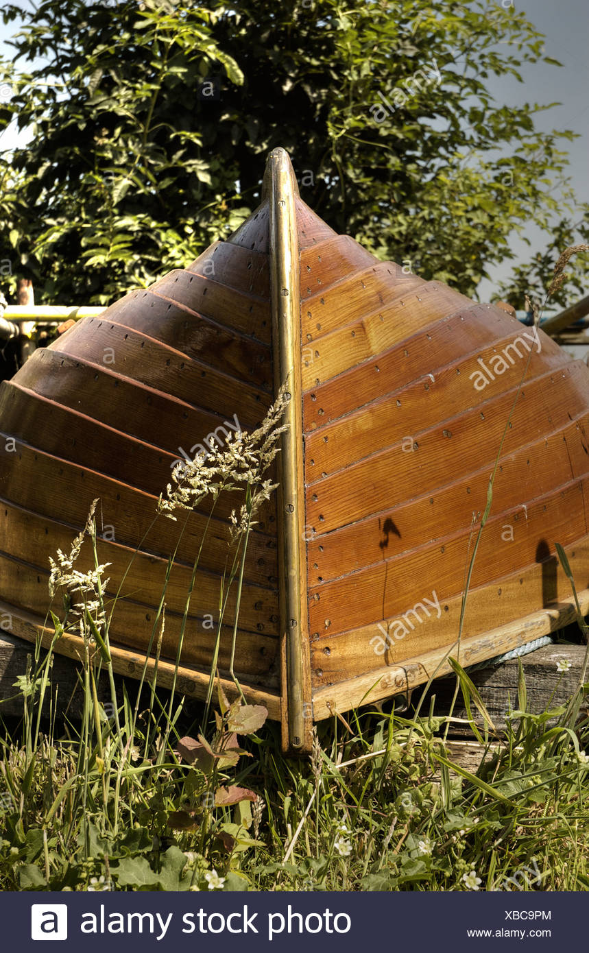 Wooden Rowing Boat Stock Photos & Wooden Rowing Boat Stock Images ...