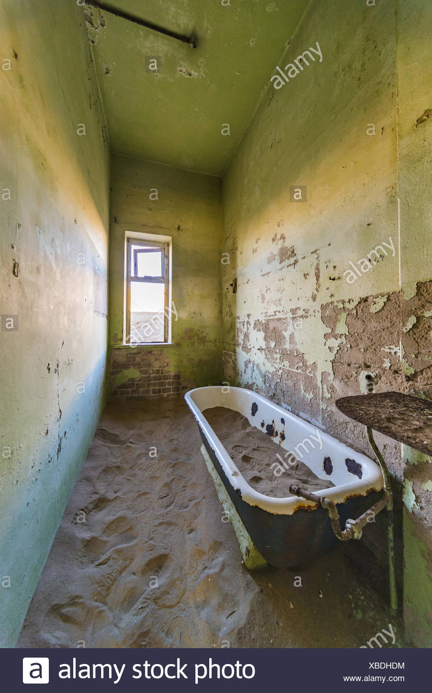 Bathtub in Ghosttown - Stock Image