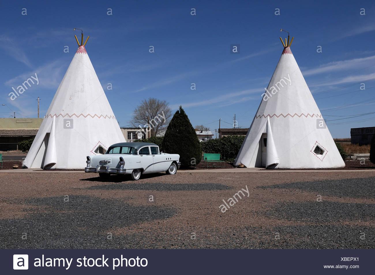 Wigwam Motel, Holbrook, Arizona, USA, United States, America, tipi, tent, car - Stock Image