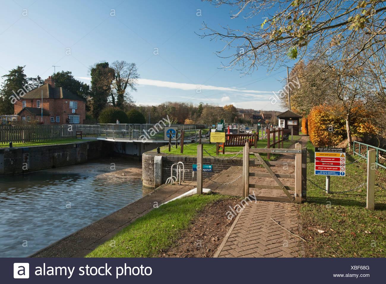 Temple Lock on the River Thames, Berkshire, UK - Stock Image
