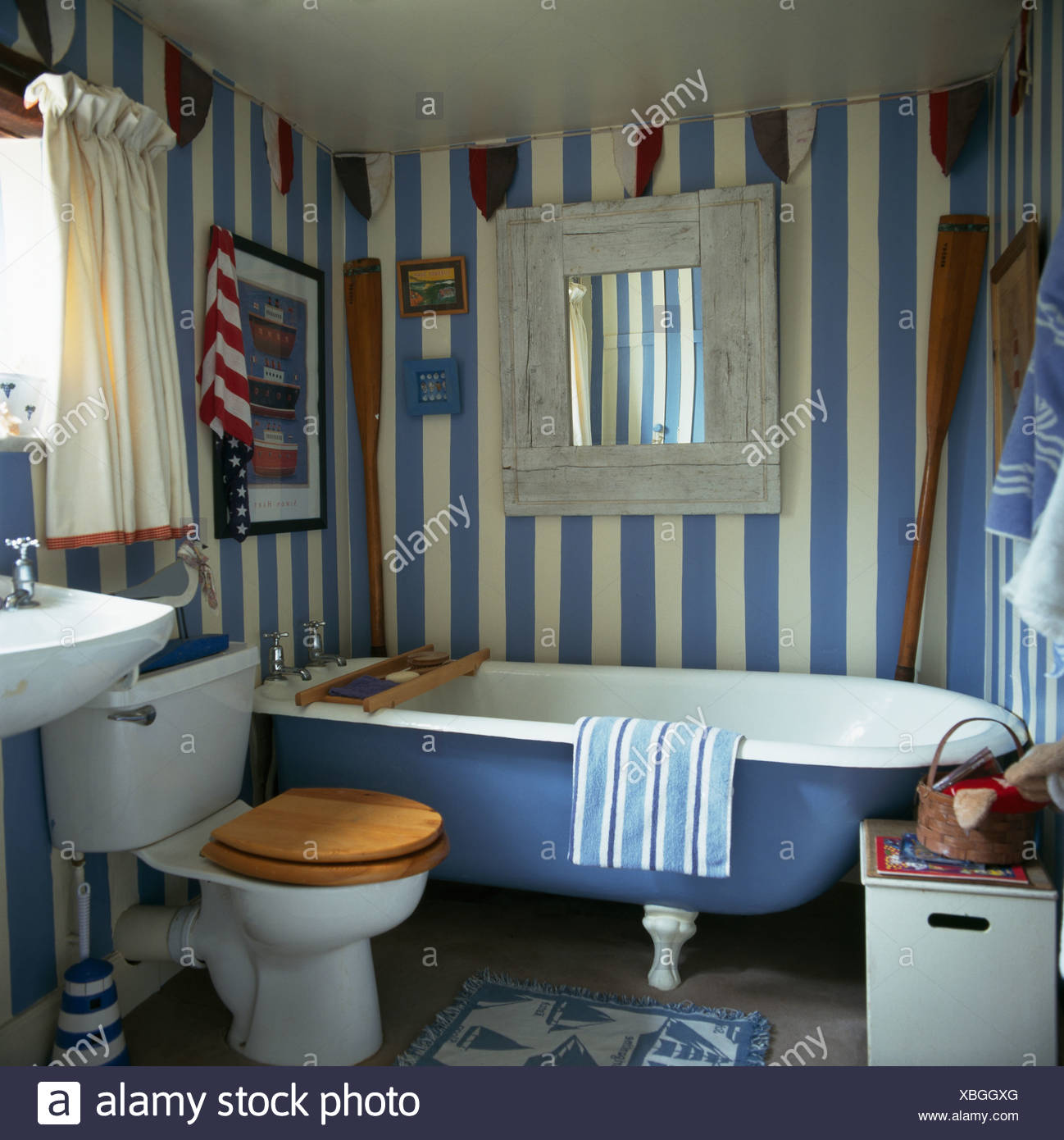 Fabulous Hand Painted Blue White Striped Walls In Cottage Bathroom Gamerscity Chair Design For Home Gamerscityorg