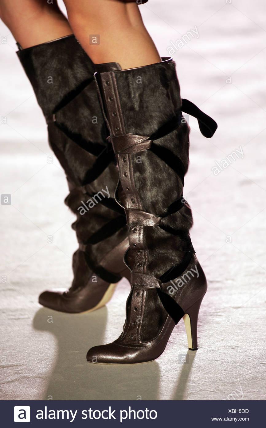 8595034b5 Nina Ricci Paris Ready to Wear Autumn Winter Fur and leather knee length  boots