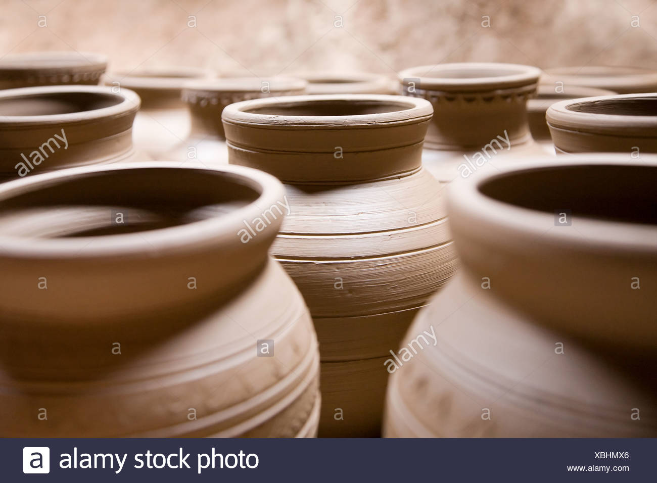 Pottery vases in market - Stock Image