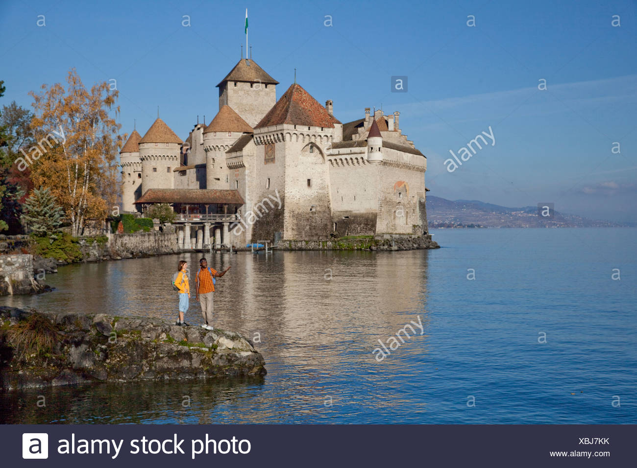 Traveller, Castle, Chillon, autumn, Castle, lake, lakes, canton, VD, Vaud, lake Geneva, Lac Leman, footpath, walking, hiking, tr - Stock Image