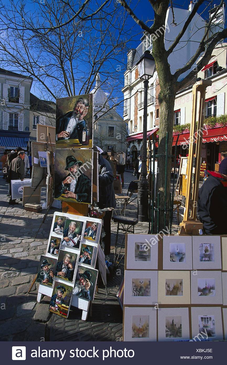 Frankreich, Paris, Montmartre,  Place du Tertre, Maler, Verkauf,  Bilder, Kunst Hauptstadt, Butte Montmartre, Stadtteil, Künstlerviertel,  Platz, Sehenswürdigkeit, Künstler, Malerei, Angebot, Ausstellung, Straßenhandel - Stock Image