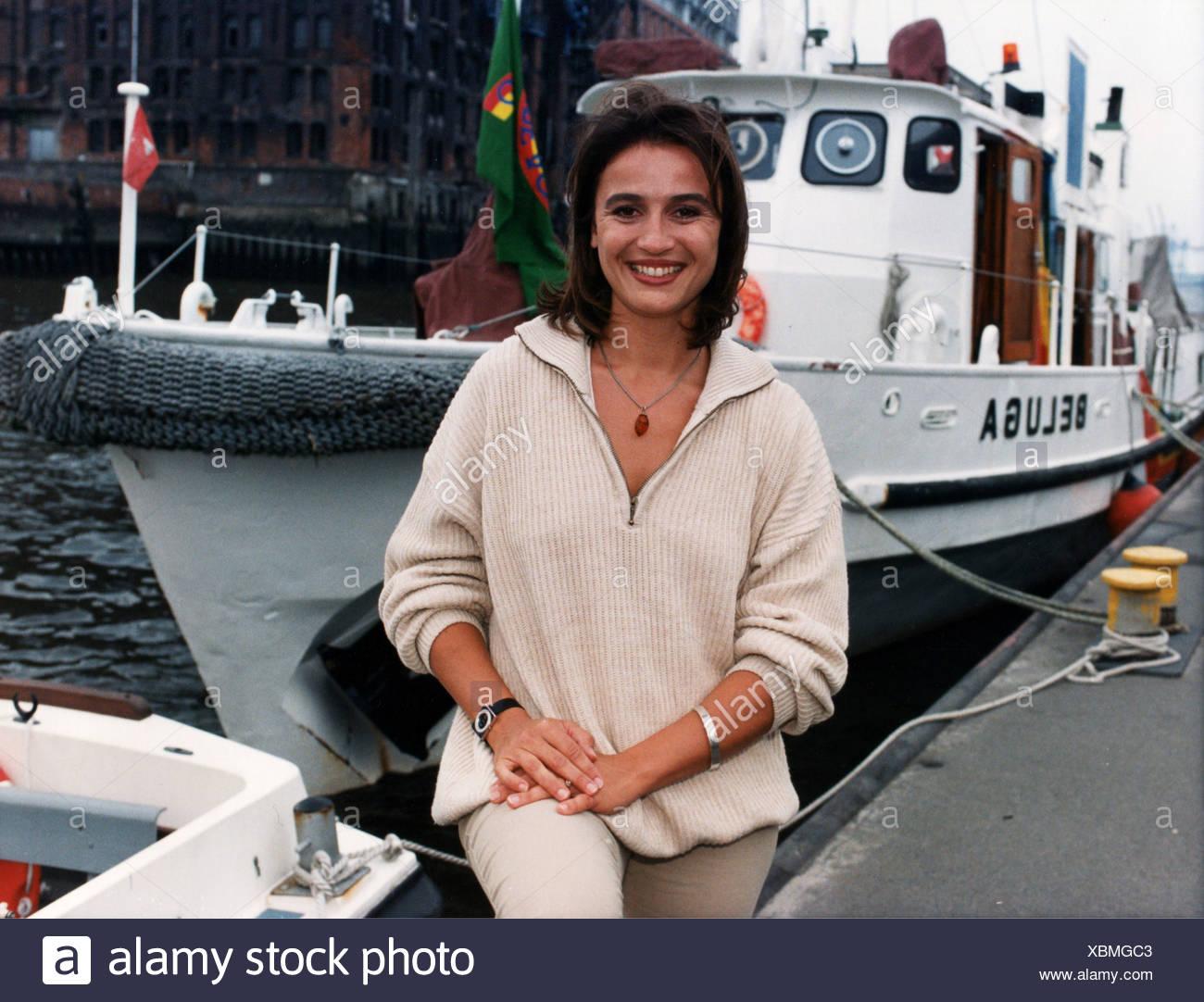 "Maischberger, Sandra, * 26.8.1966, German journalist, TV presenter, half length, in front of the Greenpeace vessel ""Beluga"", Hamburg, Germany, 24.7.1997, Stock Photo"