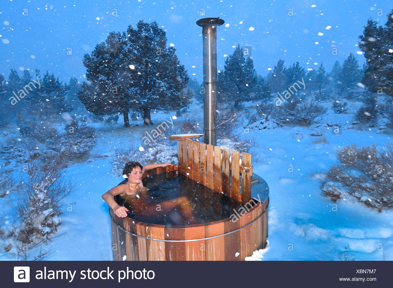Hot Tub Snow Stock Photos & Hot Tub Snow Stock Images - Alamy