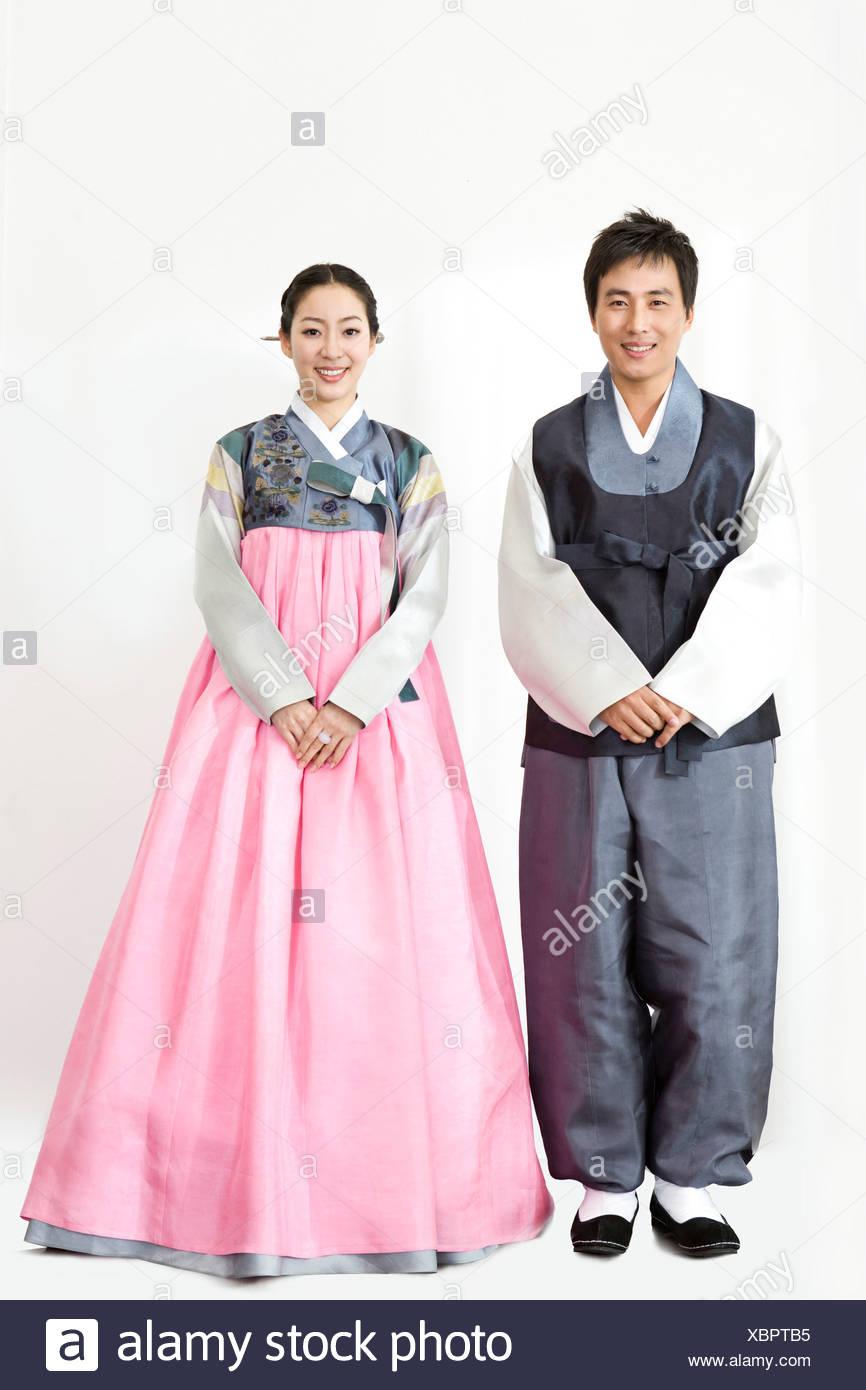 Family Korean Traditional Clothing Stock Photos & Family Korean Traditional Clothing ...