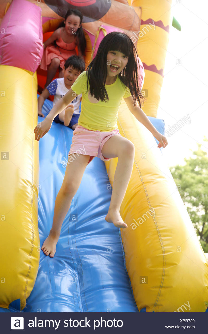 Children at amusement park - Stock Image