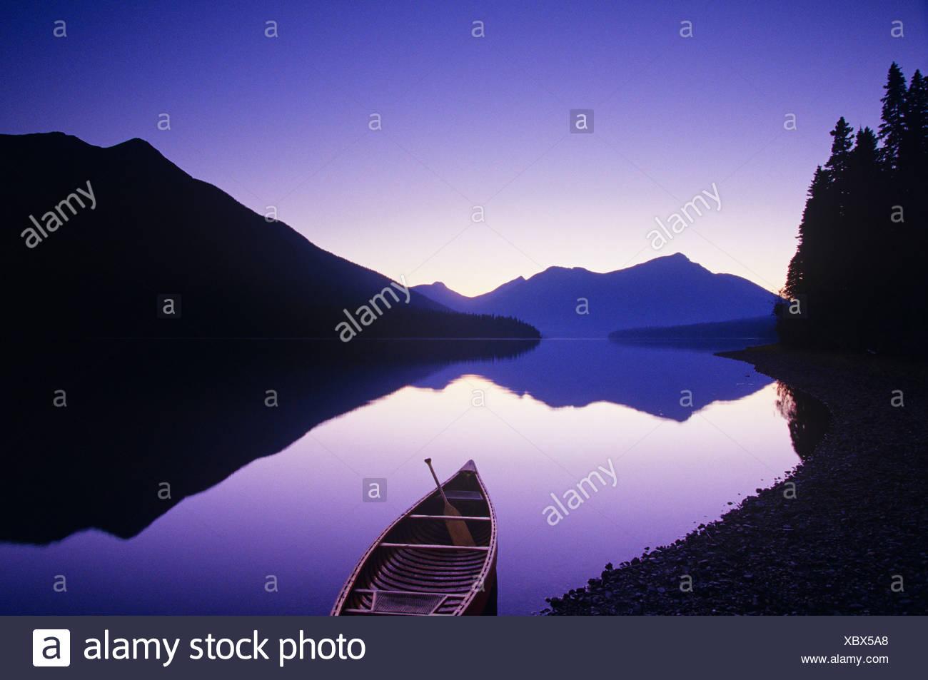 Canoe on shore, Bowron Lake Provincial Park, British Columbia, Canada. Stock Photo