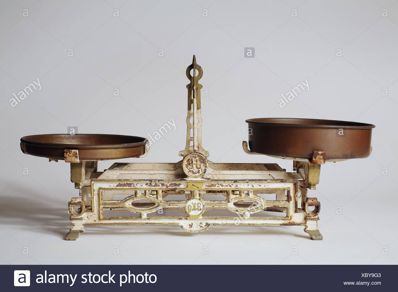 rusty equilibrium weigh scales kilogram old pointer iron rusty equilibrium Stock Photo
