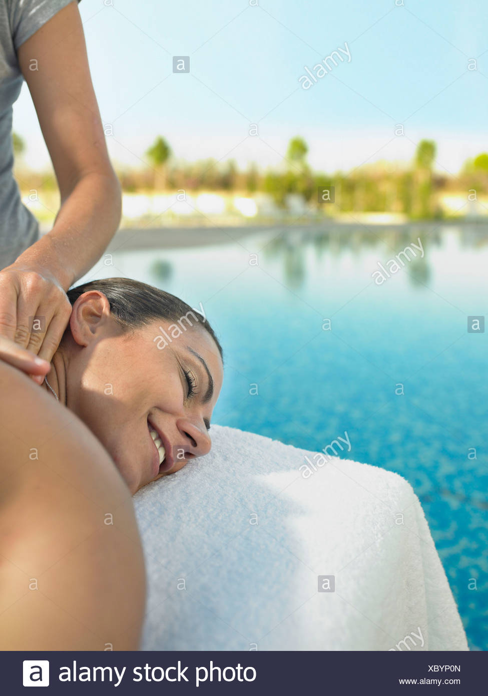 Woman receiving a luxury massage - Stock Image