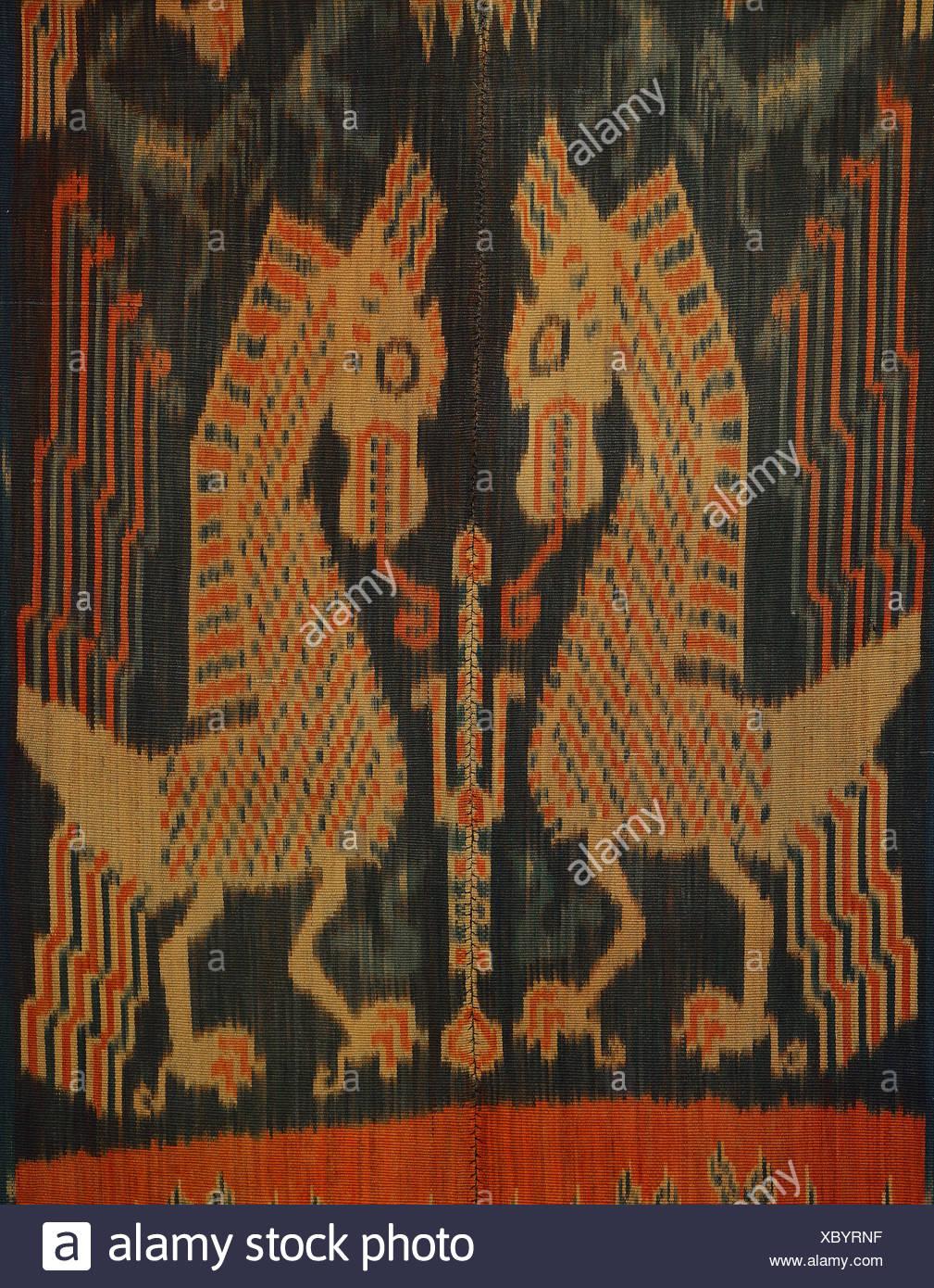 Ikat Sumba, Warp Ikat, cotton, natural colours, indigo, mythological animals, before 1914, East Sumba, Lesser Sunda Islands - Stock Image