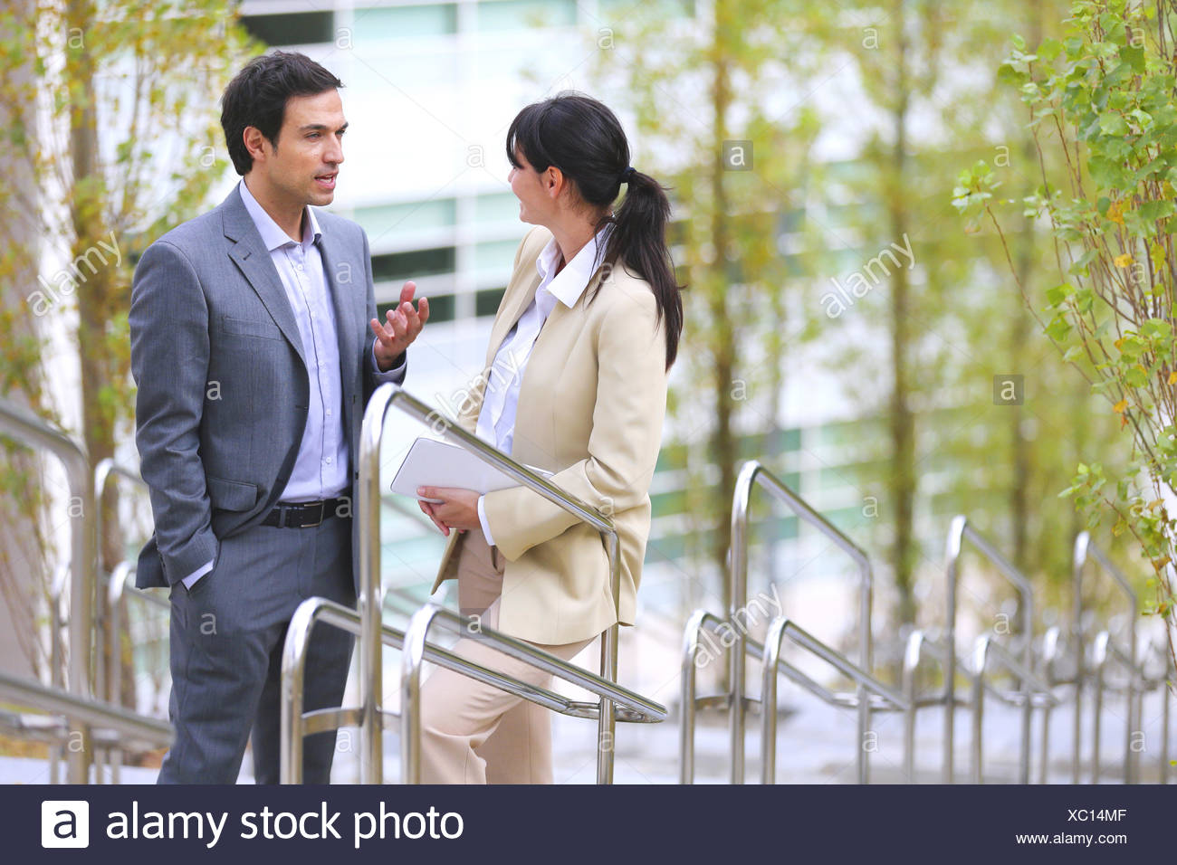30 to 40 years old 30-35 30-35 years 30-40 30's 35-40 35-40 years adult Basque Country business Business center businessman - Stock Image