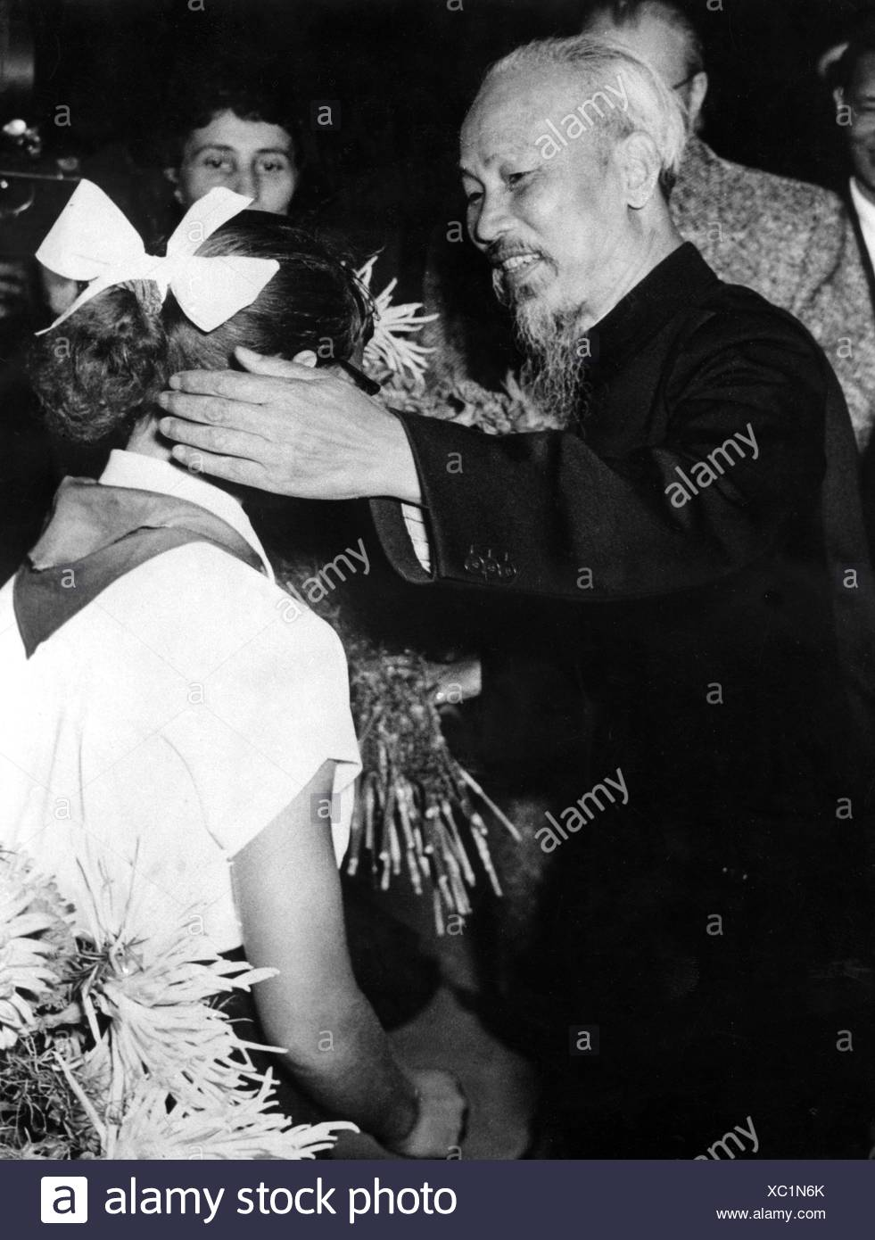 Ho Chi Minh, 15.5.1890 - 3.9. 1969, Vietnamese politician, President of North Vietnam 1955 - 1969, half length, receiption by young pioneers of the GDR, East Berlin, 26.7.1957, Additional-Rights-Clearances-NA - Stock Image