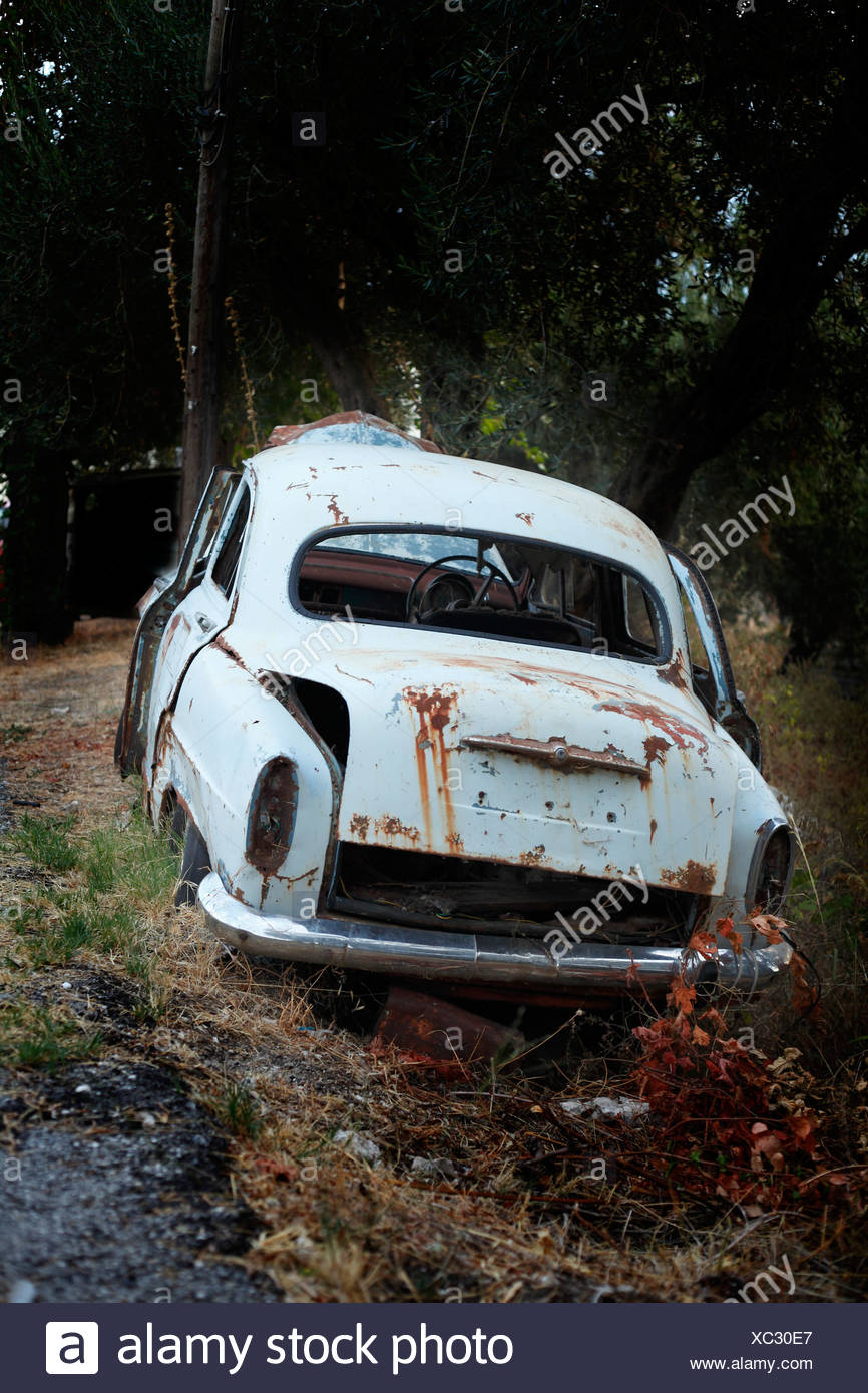 Greece, Corfu, Old rusty car - Stock Image