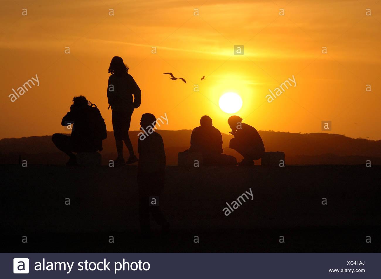 People watching the sunset , Essaouira , Marokko , Afrika - Stock Image