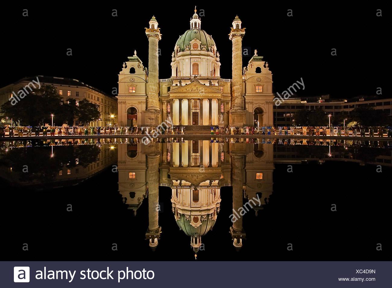 karlskirche vienna - feudal beleuchtung4a - Stock Image
