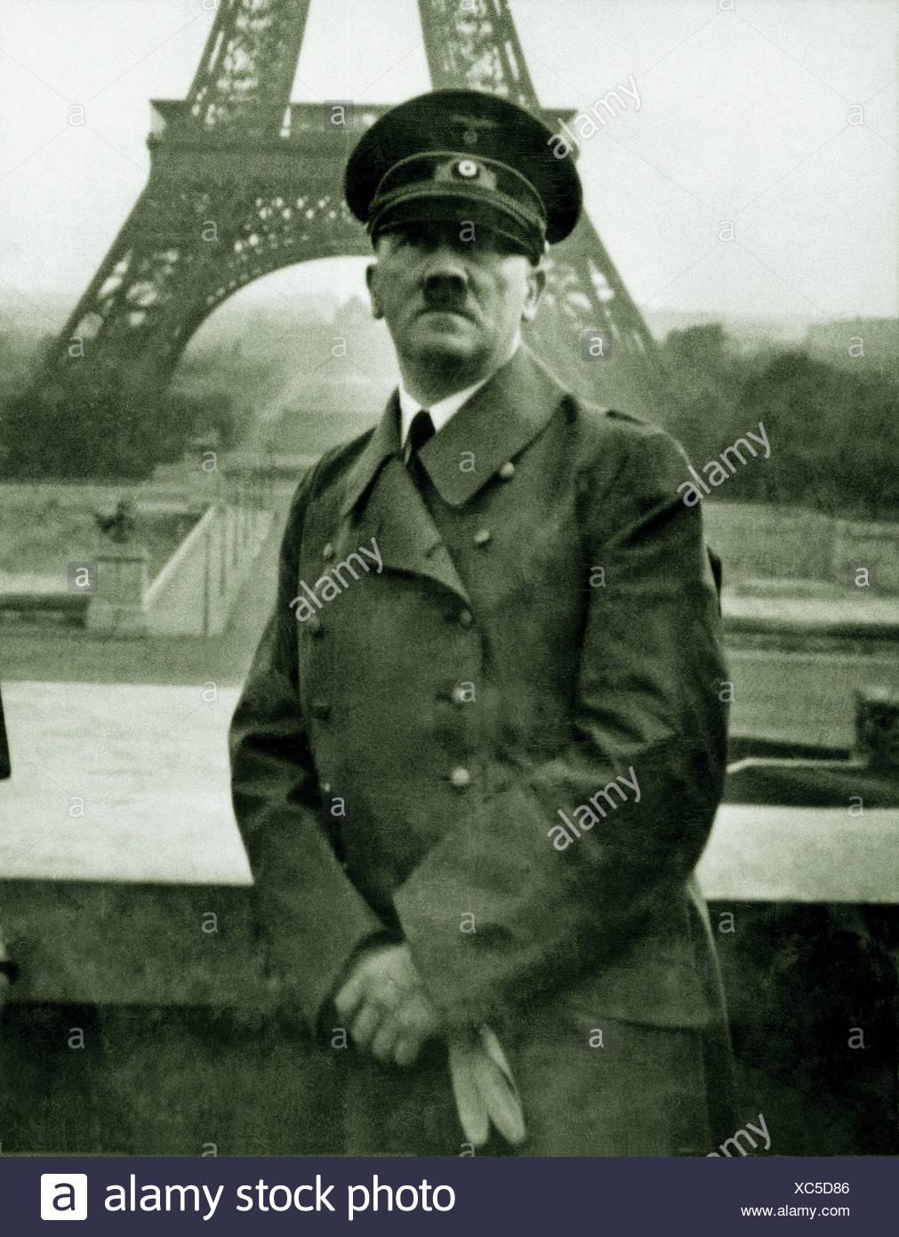 Adolf Hitler, poses, Eiffel Tower, fall, Paris, France, 1940, - Stock Image