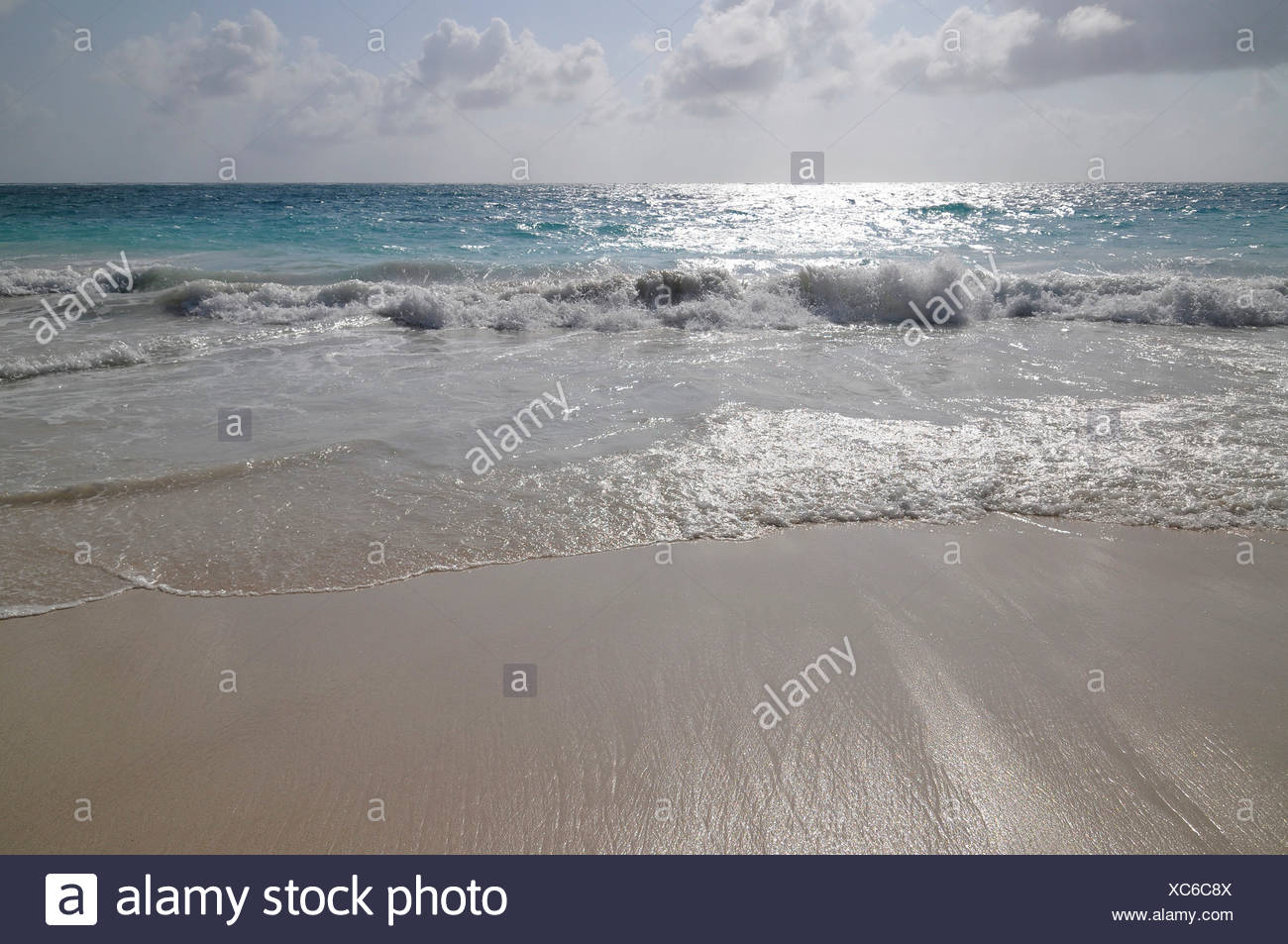 Bay at the foot of the Castle, El Castillo, view onto the open ocean, Tulum, Mayan archaeological excavation, - Stock Image