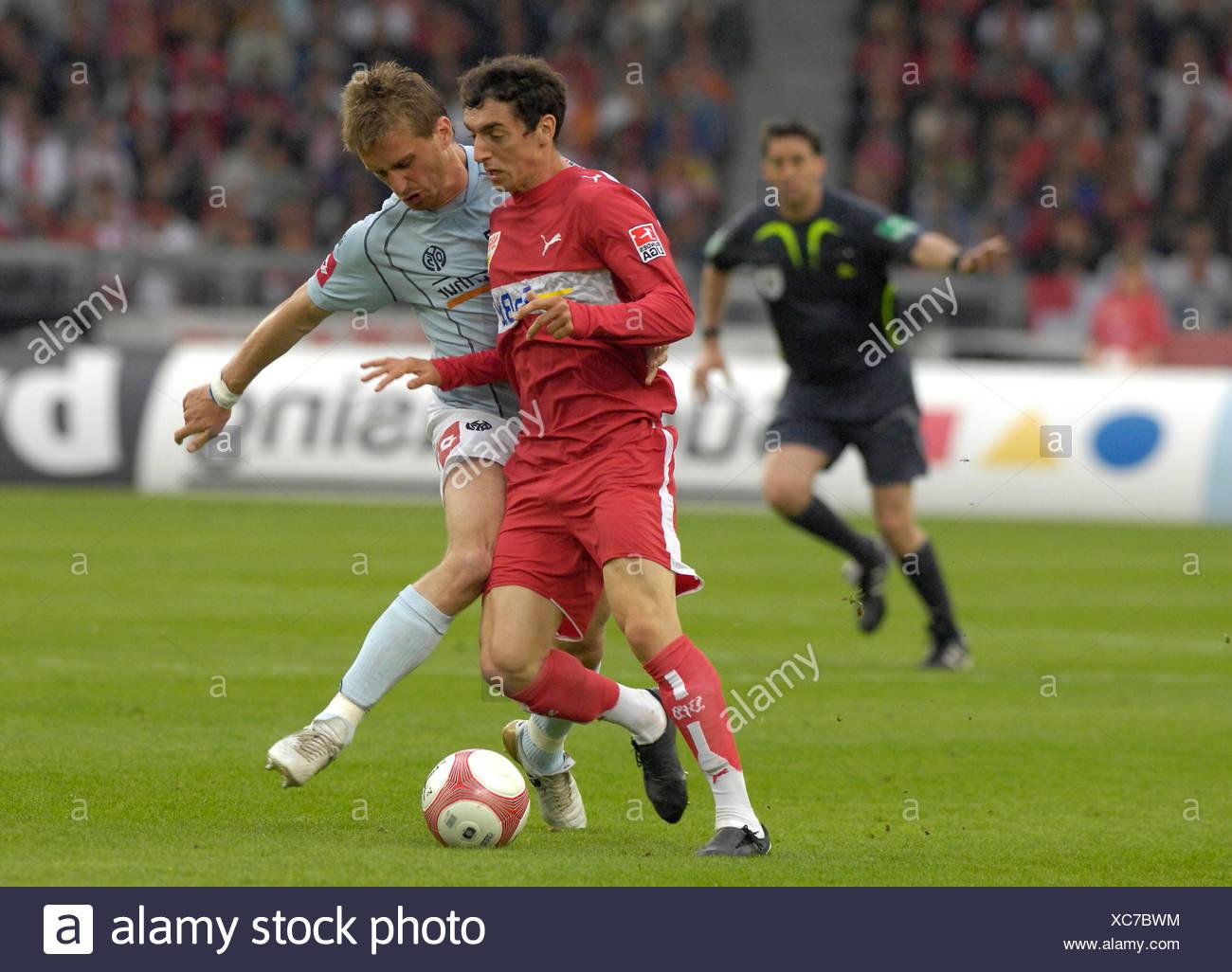Milorad PEKOVIC FSV Mainz 05 (right) vs. Roberto HILBERT VfB Stuttgart - Stock Image
